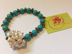 photo (29) pulsera turquesa y dorada con perlas de agua dulce.