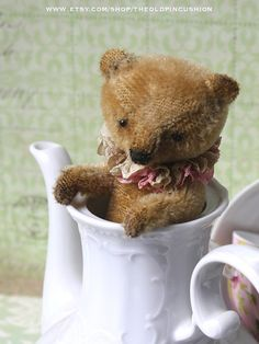 https://www.etsy.com/fr/listing/250045566/pattern-to-make-a-little-tea-cup-grizzly?ref=shop_home_active_5