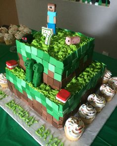 Homemade minecraft cake!!