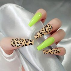 Long Press On Nails, Coffin Press On Nails, Coffin Nails Long, Long Acrylic Nails, Acrylic Nail Designs, Nail Art Designs, Nails Design, Fake Nails With Glue, Leopard Print Nails