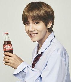 V (Taehyung) BTS Coca Cola Corea