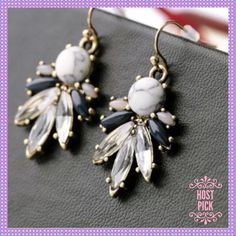"""🎉HP🎉White Turquoise & Crystals Dangle Earrings🎀 🎀🍥🎀BEAUTIFUL White Turquoise and Clear/Colored Crystals, Dangle Earrings. Approx. length is a little over 1""""🎀🍥🎀 Boutique Jewelry Earrings"""