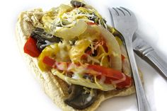 Skinny Philly Chicken Cheesesteak Sandwiches in the Crock-Pot. Each sandwich has 280 calories, 7 grams of fat and 7 Weight Watchers POINTS PLUS. http://www.skinnykitchen.com/recipes/skinny-philly-chicken-cheesesteak-sandwiches-in-the-crock-pot/