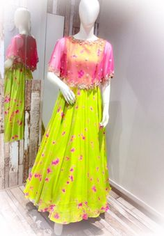 Cape dress indian - has become the women and girls most favorite style statement to look stylish with the charming traditional look These classy yet trendy kurtas are so comf Long Gown Dress, Frock Dress, Cape Dress, Long Frock, Dress Skirt, Long Gowns, Jacket Dress, Long Dress Design, Ladies Dress Design