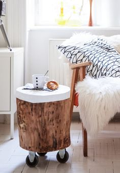 Simple tricks to customise your home - IKEA para el hogar Decor Room, Diy Home Decor, Diy Casa, Table Storage, Wood Table, Diy Furniture, Bohemian Furniture, Plywood Furniture, Painted Furniture