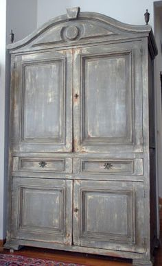Divine Theatre: Gustavian Armoire Tutorial (Old White undercoat and French Linen for the topcoat). Pine Furniture, Chalk Paint Furniture, Hand Painted Furniture, Shabby Chic Furniture, Furniture Projects, Refinished Furniture, Armoire Makeover, Furniture Makeover, Painted Hutch