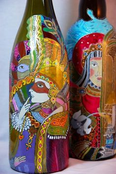 Hand Painted Wine Bottles - works of art! Wine Bottle Art, Painted Wine Bottles, Wine Art, Diy Bottle, Wine Bottle Crafts, Bottles And Jars, Glass Bottles, Decorated Bottles, Arte Fashion