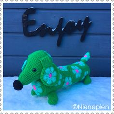Pattern Tippy Dachshund with African Flowers