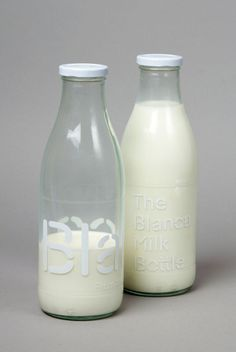 "Packaging bouteille lait / ""Blanca"" s'inspire des vaches Holstein - milk bottle packaging inspired by Holstein cows Milk Packaging, Food Packaging Design, Bottle Packaging, Branding Design, Stencil, Cafe Concept, Glass Milk Bottles, Water Bottles, Packaging"