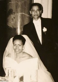 The Obama Family Diary: Photos Of President Barack Obama And First Lady Michelle Obama Michelle Obama, Barack Obama Family, Malia Obama, Obama President, Celebrity Wedding Dresses, Celebrity Weddings, Wedding Gowns, Celebrity News, Wedding Ceremony
