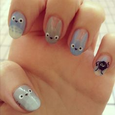 Totoro nails are super cute!