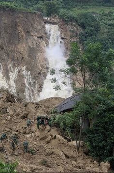 Tuesday, Oct. 17, 2017: Over the last few days, heavy rainfall has affected the northern and central provinces of Vietnam. The most serious incident appears to be a landslide that struck Phu Cuong commune in Tan Lac distri…