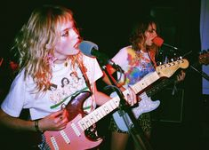 Mega model Staz Lindes' buzzy four-piece is creating the LA DIY scene's most richly layered punk sounds of the moment. We talk touring with DIIV and playing Rihanna covers at a high school car wash. Riot Grrrl, Grunge Outfits, Music Rock, Tokyo Street Fashion, Malibu, Guitar Girl, Style Grunge, Music Aesthetic, Aesthetic Boy