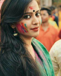 Image may contain: 1 person, closeup Beautiful Girl In India, Beautiful Girl Image, Beautiful Indian Actress, Beautiful Actresses, Beauty Full Girl, Beauty Women, Holi Girls, Girl Photography Poses, Indian Beauty Saree