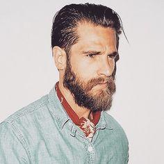 Bandana: como usar? Now at stealhislook.com.br #bandana #neckerchief #jeans