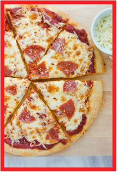 The Best Gluten-Free Pizza Crust! EASY to make and works with basically any gluten-free flour blend. Bakes up chewy and crispy! The Best Gluten-Free Pizza Crust Jill Alleva itraindogs Gluten Free The Best Gluten-Free Pizza Crust! Pizza Sans Gluten, Gluten Free Lasagna, Paleo Pizza, Family Meals, Kids Meals, Easy Meals, Family Recipes, Healthy Dinners, Crust Recipe