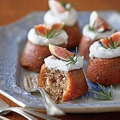 Muffin pans make the perfect baking vessels for Buttermilk-Glazed Mini Fig Cakes with Vanilla Hard Sauce. Gussy up these little fig cakes by spooning Spice Cake Recipes, Fig Recipes, Sauce Recipes, Holiday Recipes, Holiday Foods, Sweet Recipes, Rosemary Recipes, Pecan Recipes, Holiday Treats