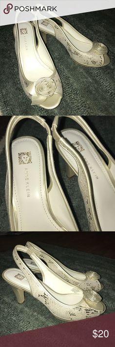 Anne Klein Gold Heels Adorable Anne Kline Heels. Gold/Cream snake skin pattern. Anne Klein Shoes Heels