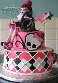 Monster High cake Cakes Pinterest Monster high cakes Monster