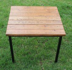 Klubbo + Fjellse Slats = Vintage Industrial Table - IKEA Hackers - IKEA Hackers Industrial Table, Industrial Furniture, Vintage Industrial, Pipe Furniture, Build A Table, Diy Table, Ikea Hacks, Wooden Bed Slats, Woodworking Furniture