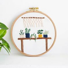 6 Basic Embroidery Stitches For Beginners - Tata Sol Basic Embroidery Stitches, Embroidery Letters, Cute Embroidery, Modern Embroidery, Embroidery For Beginners, Hand Embroidery Patterns, Cross Stitch Embroidery, Flower Embroidery, French Knots