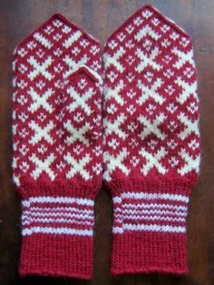 I like the red and white. Mittens Pattern, Knit Mittens, Mitten Gloves, Knitting Socks, Hand Knitting, Knitting Patterns, Knit Socks, Norwegian Knitting, Hand Wrist