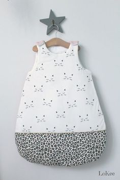 Baby sleep suit clothes new Ideas Fall Outfits, Kids Outfits, Baby Couture, Baby Art, Kids Bags, Baby Sewing, Clothing Patterns, Baby Dress, New Baby Products