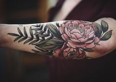Done by @alicerules  #whichinkilike #linework #blackwork #blackandwhite #tattoo #tattoogallery #blackwork #blacktattoo #goodtattoos  #bw #tattoos #tat #tatuaje #tattooed #tattooartist #tattooart #tattoolife #tattoodesign #tattooist #best #awesome #ink #art #design #artist #illustration #alcerules_wiil