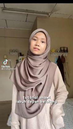 Simple Hijab Tutorial, Hijab Style Tutorial, Muslim Fashion, Hijab Fashion, Fashion Outfits, Fashion Tips, Pashmina Hijab Tutorial, Islamic Cartoon, Doa Islam