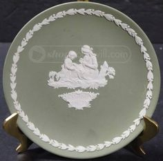 Green Wedgewood 1972 Mother's Day Plate