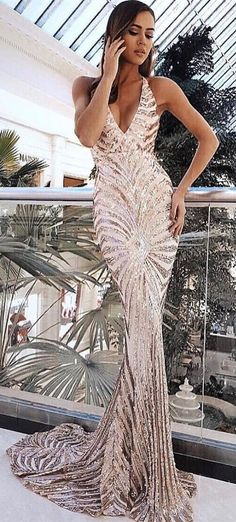 sexy mermiad sequined prom dress with sweep train, bodycon mermaid party dress with sequins, sexy sequined mermaid evening dress #ElegantPartyGowns