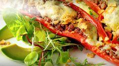 Fylt paprika med krydret kjøttdeig og knuste tortillachips