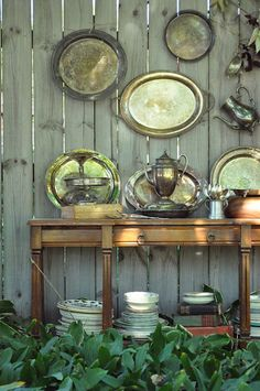 17 Cool Ideas To Decorate Your Home With Metal Trays | Shelterness