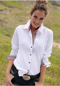 Tie Dye Shirts, Cut Shirts, Sexy Outfits, Cool Outfits, Fashion Outfits, Boyfriend Girlfriend Shirts, Western Outfits, T Shirt Diy, White Shirts