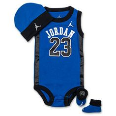 Even the littlest Jordan fan can dress like his hero with the Jordan Infants' Basketball Jersey Three-Piece Set. This set features a Jordan bodysuit, booties and a cap.