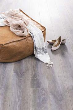 KARWEI   Laminaat met een V-groef. #vloeren #wooninspiratie #karwei