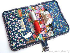 This tutorial to make a Portfolio Sewing Case for on-the-go sewing supplies was first written for Liberty Craft blog.   Liberty had just re...