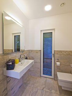 Haus FUTURE   Gäste WC   Fertighaus WEISS   Plusenergiehaus   Satteldach