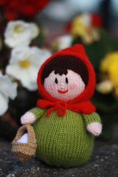 Knit pattern freebie for red riding hood/your inspiration. So sweet, thanks for the share xox