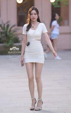 Mini Skirts, Shirt Dress, Chic, Model, Shirts, Street Styles, Dresses, Fashion, Shabby Chic