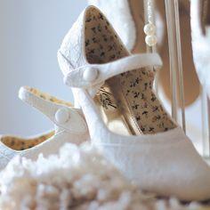 Chaussures de mariée vintage en dentelle Esta - Instant Précieux                                                                                           Plus