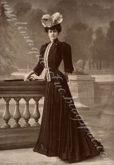 Woman in 1900