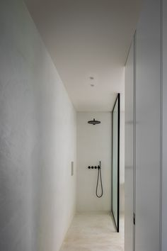 The perfect black rain head shower in Colour 27 Matt Black. 5471-061 by VOLA. #black #blackbathroom #blackbathroomtap #bathroomtap #blacktapware #bathroomideas #vola #bathroom #bathrooms #bespokebathrooms Black Bathroom Taps, Aluminium Joinery, Bath Surround, Square Windows, Stone Sink, Grey Exterior, Wooden Slats, Underfloor Heating, Parquet Flooring