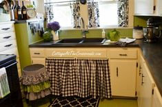 love the beadboard backsplash, curtains, rug and stool Happy Kitchen, Cute Kitchen, Country Kitchen, Diy Kitchen, Kitchen Decor, Kitchen Design, Kitchen Ideas, Cheap Backsplash Tile, Travertine Backsplash
