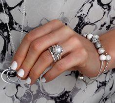 Go all white for all details; nails, rings, bracelet #PANDORAmagazine