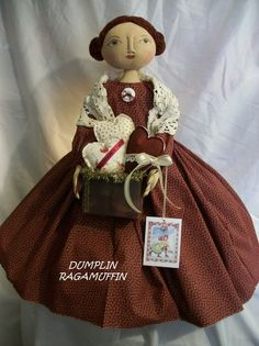 Primitive doll, pattern for 25 in. doll, and container of hearts, Dumplinragamuffin, by Dumplinragamuffin on Etsy Primitive Doll Patterns, Doll Patterns Free, Primitive Folk Art, Primitive Crafts, Primitive Snowmen, Primitive Christmas, Country Christmas, Christmas Christmas, Holiday