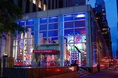 FAO SCHWARZ has something for everyone, plus you can dance on the piano from the movie BIG and get your photo taken.