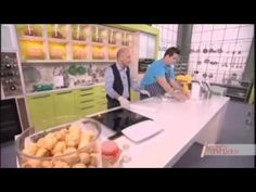 YouTube Greek Sweets, Croissants, Trust, Food And Drink, Cooking Recipes, Bread, Skinny, Breakfast, Youtube