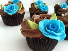 Cupcakes con rosa de fondant