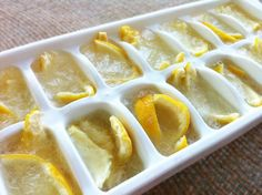Here's a super simple recipe for homemade garbage disposal cleaning cubes. You can whip up a batch in five minutes or less and store in your freezer for anytime your garbage disposal needs a little… Freezing Lemons, Nutrition, For Your Health, Smell Good, Cleaning Hacks, Deep Cleaning, Kitchen Cleaning, Cleaning Products, Cleaning Supplies